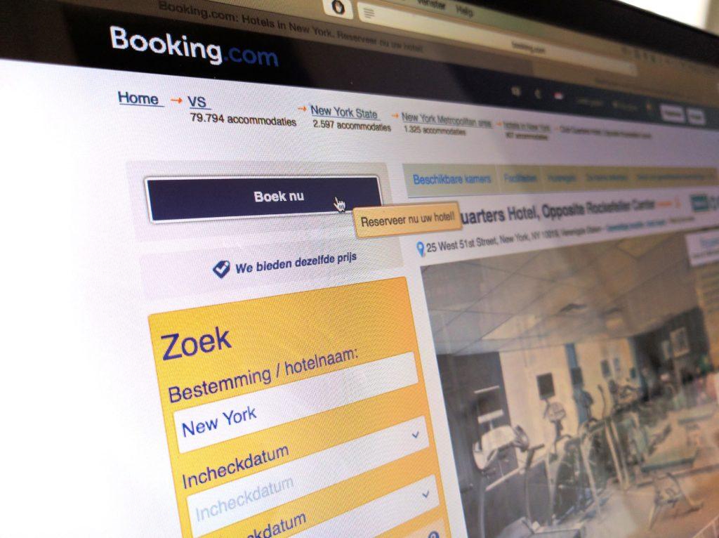 bookingcom_letstalkbranding